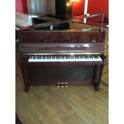Piano droit SCHIMMEL 120J