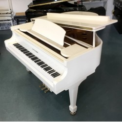 PIANO A QUEUE HYUNDAI G 80  Ivoire Brillant 1m55