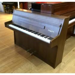 Piano droit Steingraeber & Sohne noyer satiné