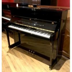 Piano droit SCHIMMEL K122 E Noir brillant