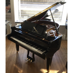 PIANO A QUEUE PLEYEL by SCHIMMEL Vendôme 174 Noir Brillant