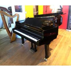 Piano à queue STEINWAY & SONS, modèle B, finition noir brillant