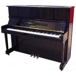 Piano Droit YAMAHA UX10BL 121cm Noir brillant