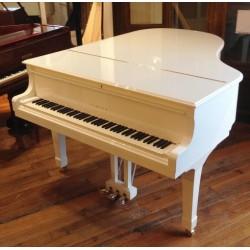 PIANO A QUEUE YAMAHA C3 186cm Blanc Brillant / Série Conservatory
