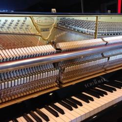 Piano Droit SCHIMMEL C 116 Tradition TwinTone Noir Brillant