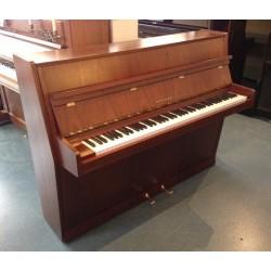 Piano droit SEILER, modèle 108 Cantore, finition acajou satiné / Mécanique Renner
