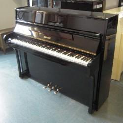 Piano droit RAMEAU, modèle Chenonceau, finition noir brillant / Mécanique Renner